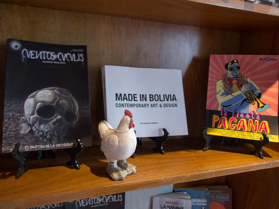 Libros de cultura boliviana joven. Foto