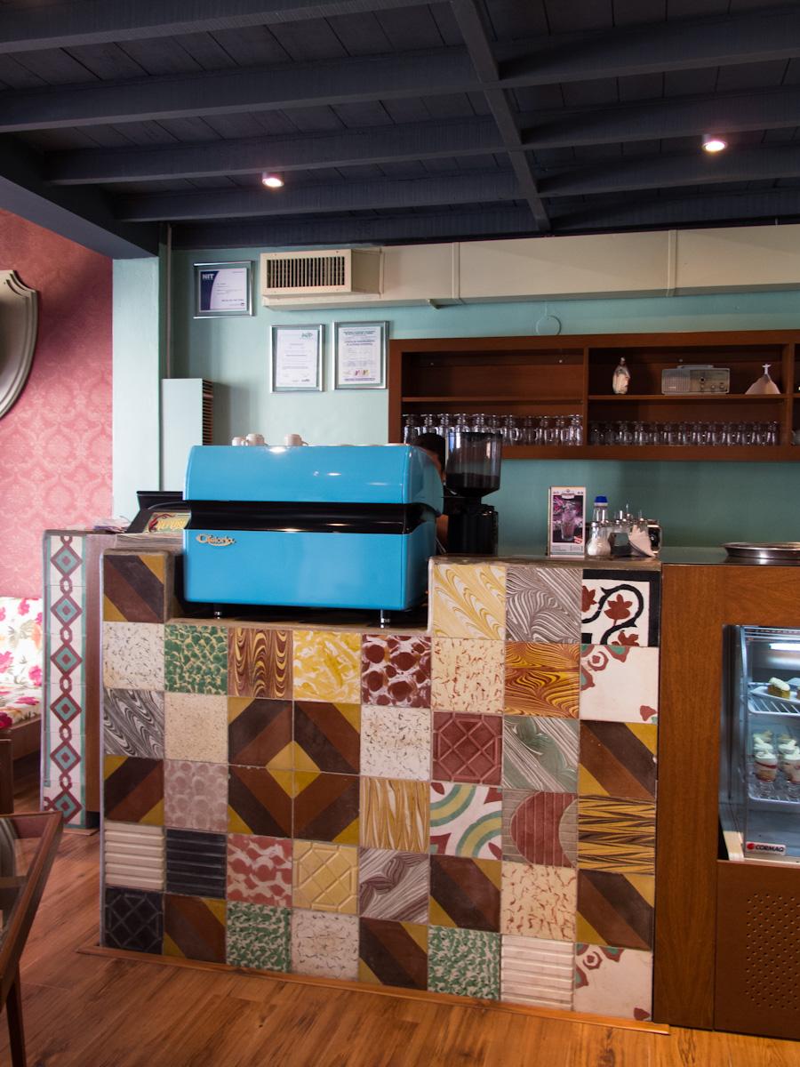 Mostrador del café República en Santa Cruz de la Sierra. Foto