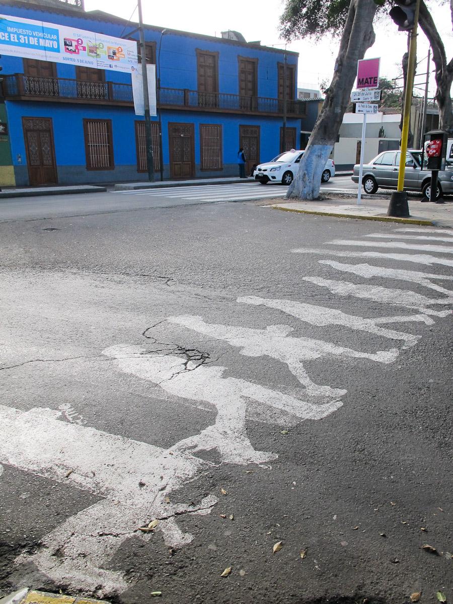 Intervención de líneas peatonales en Barranco, Lima. Foto