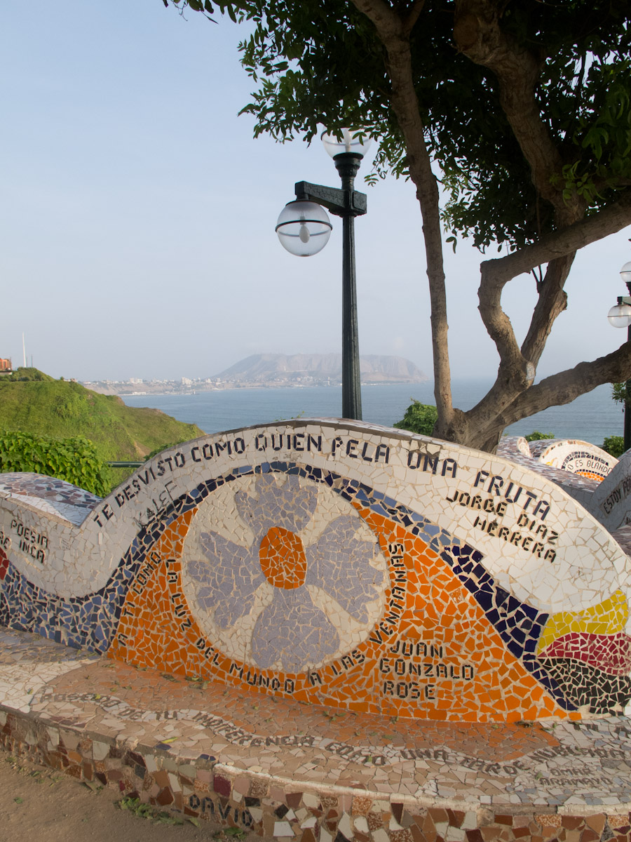 Parque del amor en el malecón de Miraflores. Foto