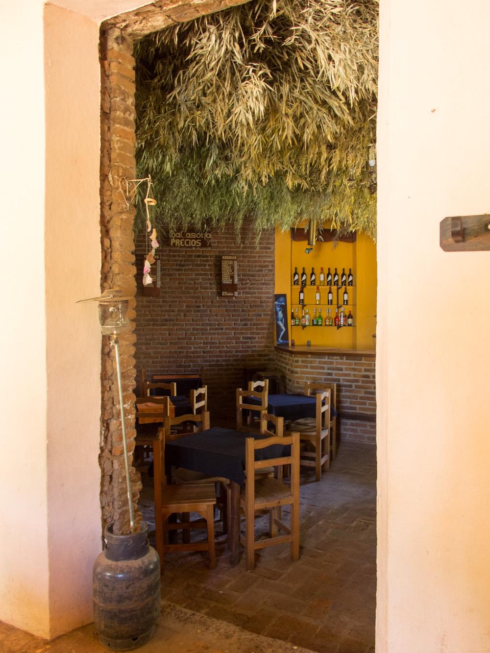 Interior del bar-pool La Casona. Foto