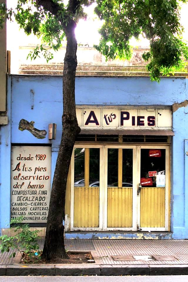 Compostura de calzado - Referencia fotográfica del periódico Amo Villa Crespo. Foto