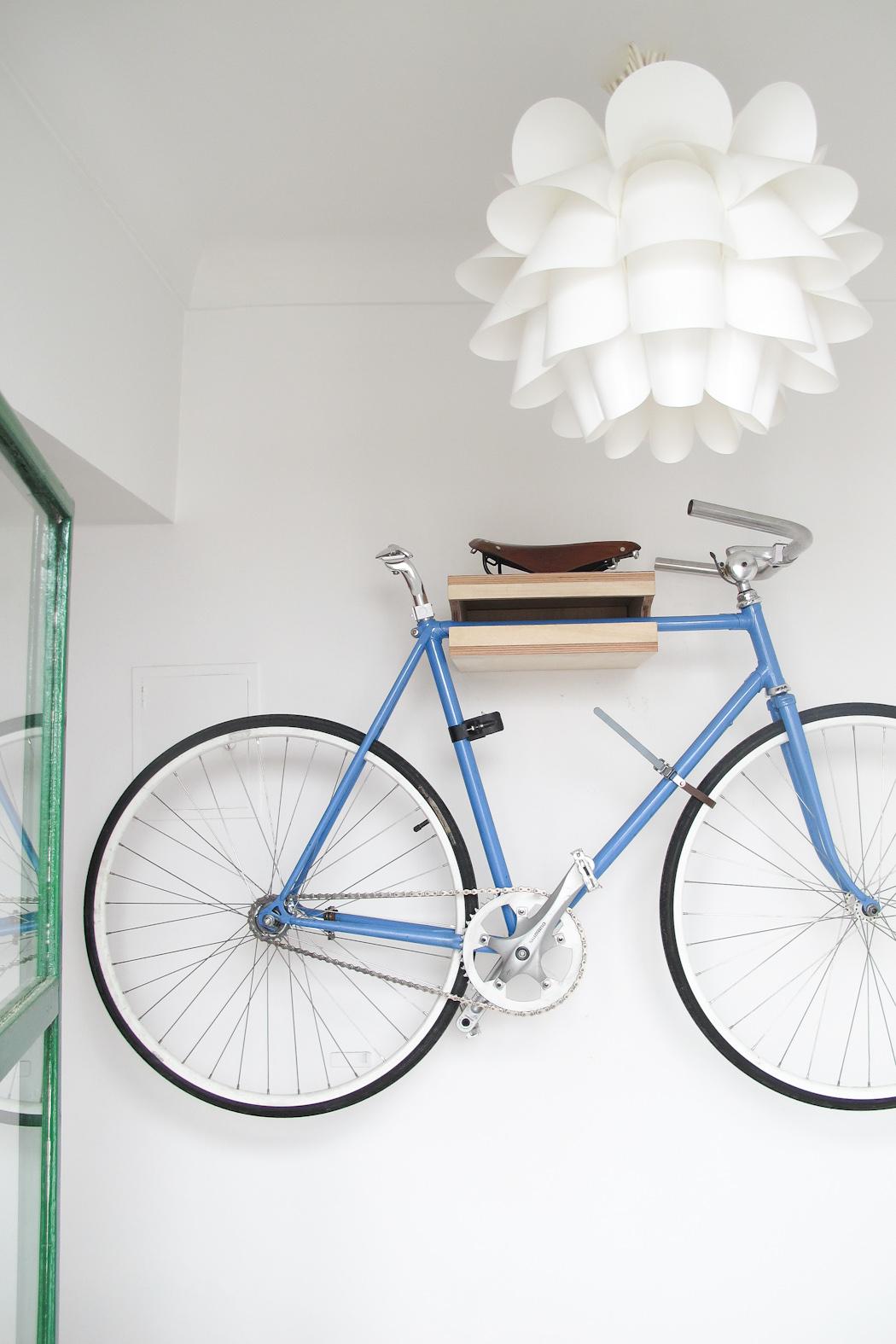 Rack para colgar bicicletas, por Diego Veras. Foto