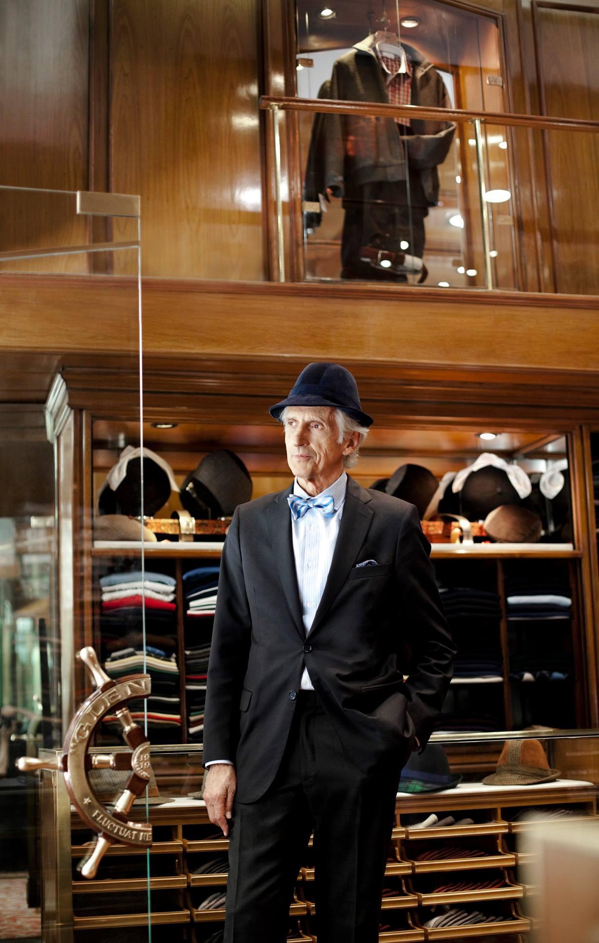 Tienda Gienmore, ropa de caballero. Foto